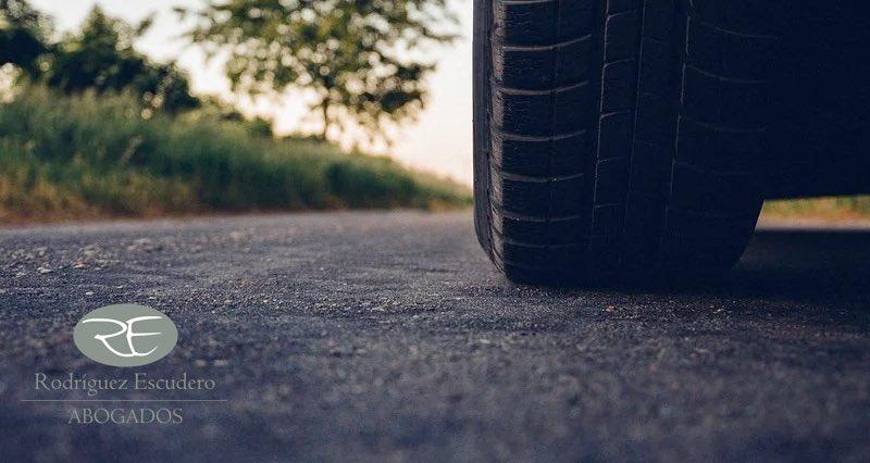 Revisión vehículo. Revisión de neumáticos