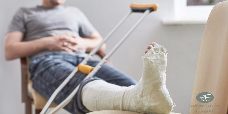 Cómo se indemnizan los días de baja laboral como consecuencia de un accidente de tráfico